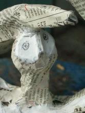 """""""Fragile sans filet"""" Volume de papier et dessin . Détail."""